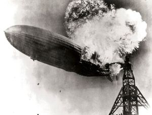 788px-Hindenburg_burning
