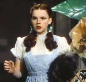 Judy_Garland_in_The_Wizard_of_Oz_trailer_2