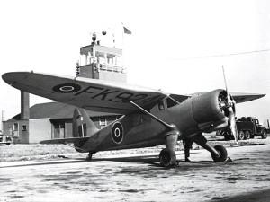 Stinson_Reliant_(FK924)_Royal_Navy