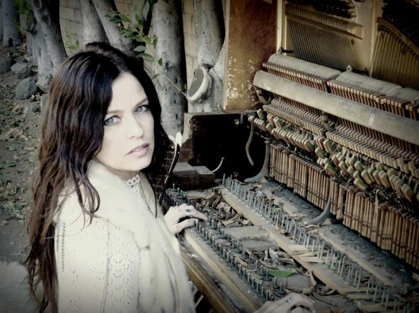 Tawny Cash piano