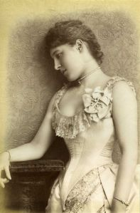 640px-Lilly_Langtry,_1885